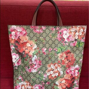 GUCCI FLORAL CROSSBODY TOTE💯AUTHENTIC